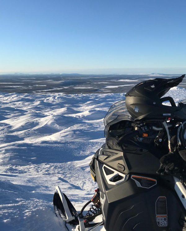 Schneemobil Reise Perfect Tours Finnland