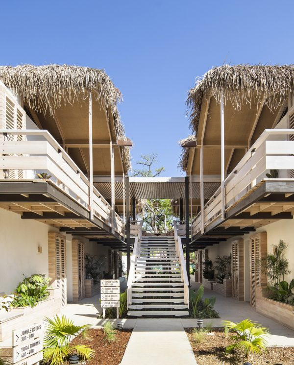 Perfect Tours Surfcamp The Gilded Iguana Surf Hotel (1)