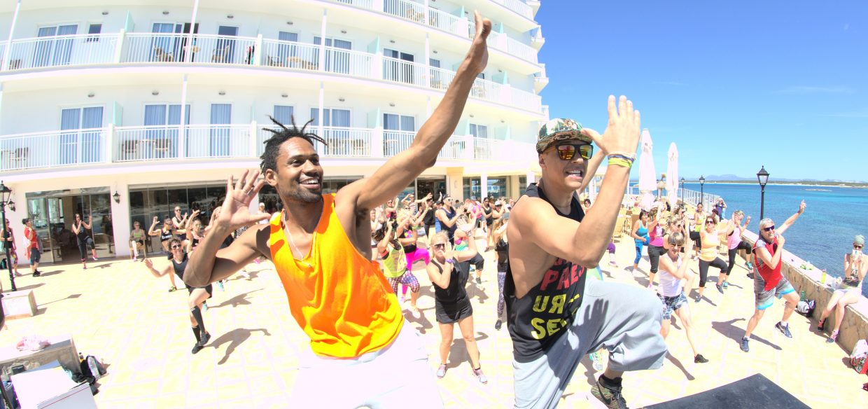 Perfect Tours Fitnesscamp Mallorca ZUMBA Dancing