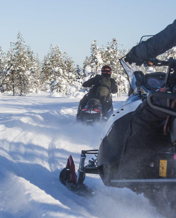 Schneemobil Reise Lappland PerfectTours (1)