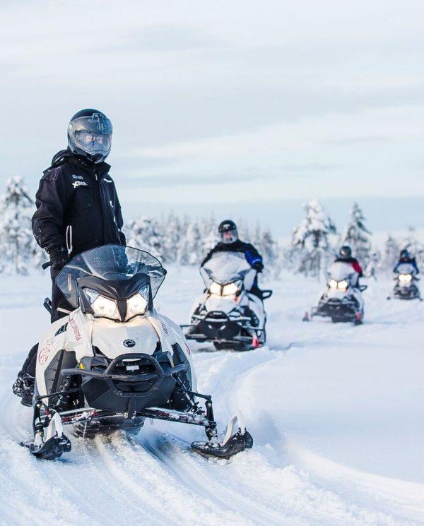 Schneemobil Reise Lappland PerfectTours (16)