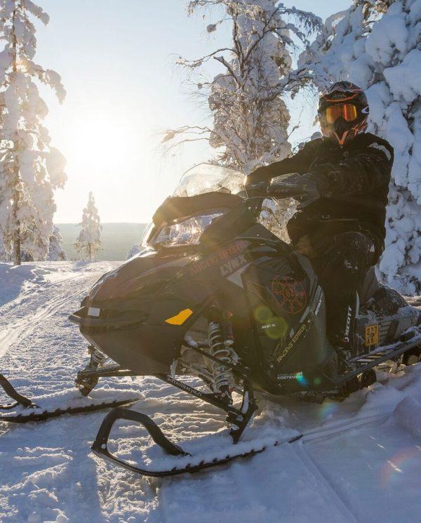 Schneemobil Reise Lappland PerfectTours (17)
