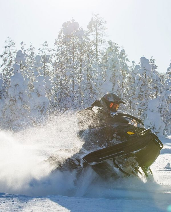 Schneemobil Reise Lappland PerfectTours (4)