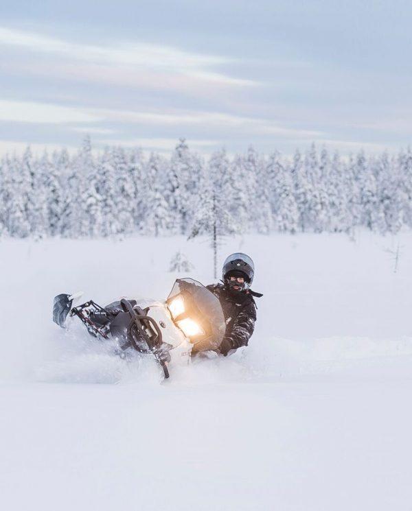 Schneemobil Reise Lappland PerfectTours (9)