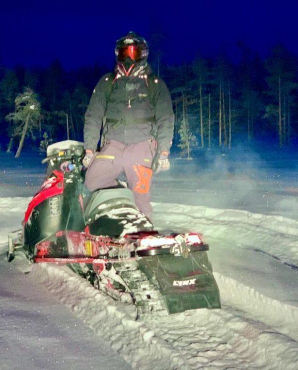 Schneemobil Reise Lappland Perfect Tours (27)