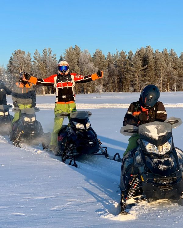 Schneemobil Reise Lappland Perfect Tours (41)