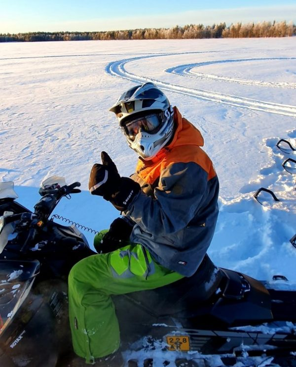 Schneemobil Reise Lappland Perfect Tours (63)