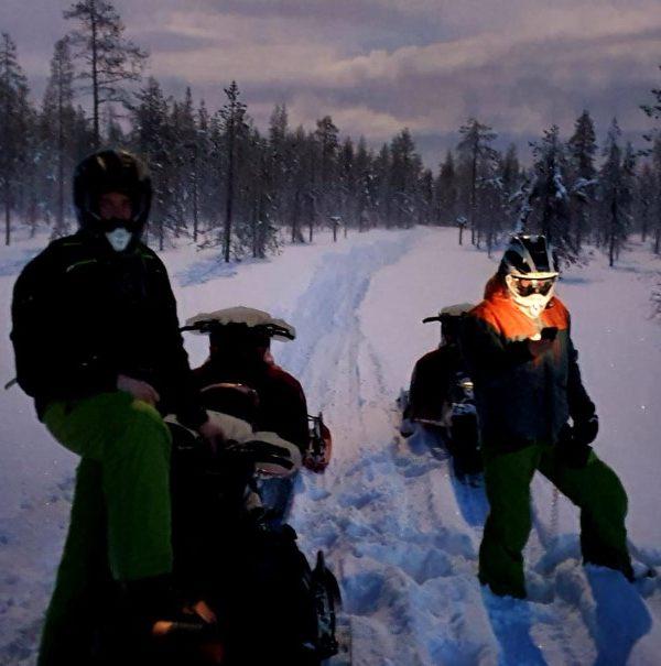 Schneemobil Reise Lappland Perfect Tours (87)